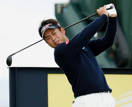 練習ラウンドで調整する池田勇太=ロイヤルトルーンGC(共同)