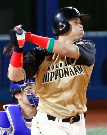 5回全パ無死、大谷が左中間に本塁打を放つ=横浜