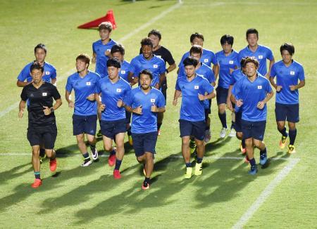 リオデジャネイロ五輪初戦のナイジェリア戦に向け、調整するサッカー男子日本代表の選手たち=2日、マナウス(共同)