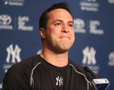 記者会見するヤンキースのマーク・テシェイラ一塁手=5日、ニューヨーク・ヤンキースタジアム(AP=共同)