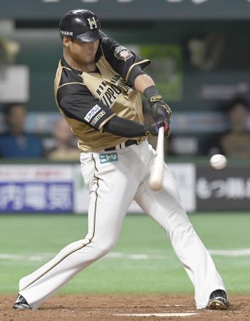 3回日本ハム無死二、三塁、中田が左前に逆転の2点打を放つ=ヤフオクドーム