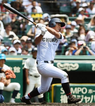 中京―大分 4回表中京1死、北川が右越えに満塁本塁打を放つ=甲子園