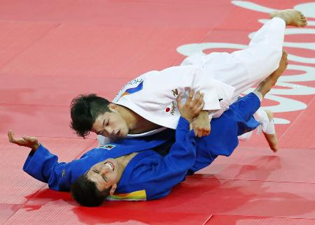柔道男子73キロ級で金メダルを獲得した大野将平選手(共同)