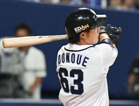 6回中日2死、堂上が左越えに満塁本塁打を放つ=ナゴヤドーム