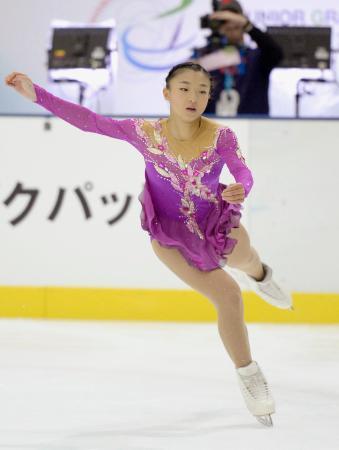 女子フリーで演技する坂本花織=新横浜スケートセンター