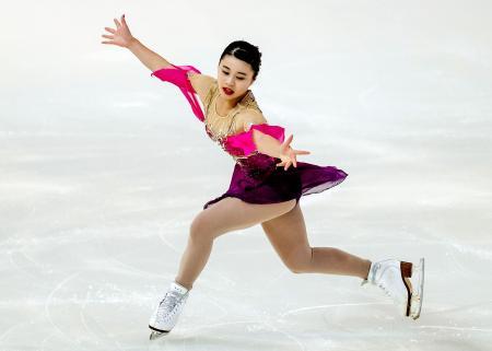 フィギュアスケートのジュニアGPロシア大会で4位に入った白岩優奈のフリー演技=ロシア・サランスク(ゲッティ=共同)
