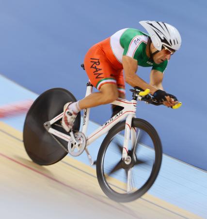 2012年8月、ロンドン・パラリンピックの自転車レースに出場したバハマン・ゴルバルネジャド選手(ゲッティ=共同)