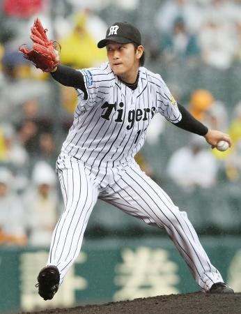 8回1失点で8勝目を挙げた阪神・岩貞=甲子園