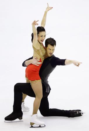 アイスダンスで9位の平井、デラアスンシオン組=真駒内セキスイハイムアイスアリーナ