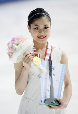 フィギュアスケート全日本選手権で3連覇を果たし、世界選手権代表に決まった宮原知子=25日、大阪府門真市の東和薬品ラクタブドーム