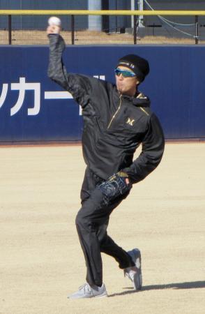 練習を公開した日本ハム・増井=5日、千葉県鎌ケ谷市
