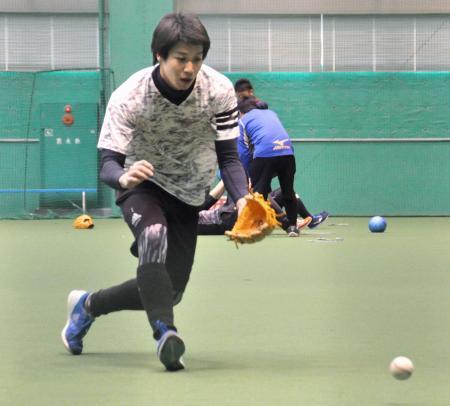 松山市内で練習を公開したヤクルトの山田