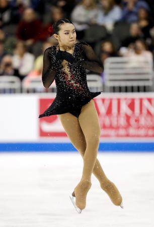 フィギュアスケート全米選手権の女子フリーで演技するカレン・チェン=21日、カンザスシティー(ゲッティ=共同)