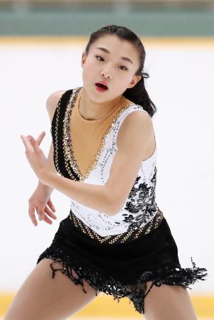 フィギュア少年女子 SPで首位に立った兵庫・坂本花織=長野市ビッグハット