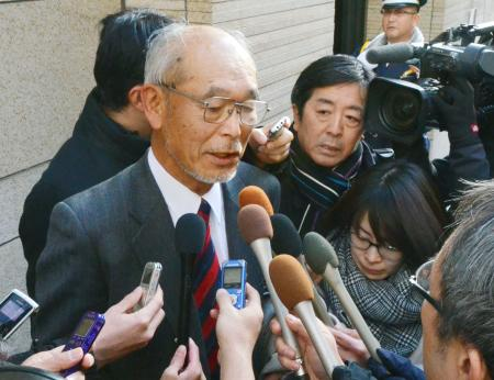 理事会後、取材に応じる霞ケ関CCの木村希一理事長=7日午後、東京都中央区