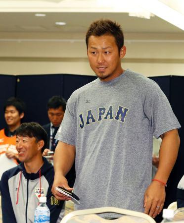 22日、WBC日本代表の強化合宿の全体ミーティングでの中田=宮崎市内のホテル