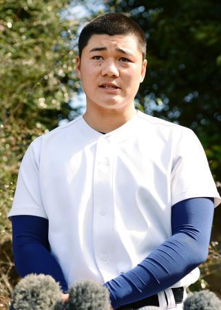 選抜高校野球への意気込みを語る早実の清宮幸太郎主将=7日午後、東京都八王子市