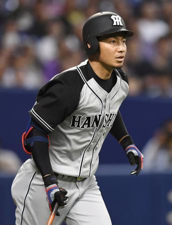 中日1回戦で連続試合出場記録を1766試合に伸ばし、歴代2位タイとなった阪神の鳥谷敬内野手=ナゴヤドーム
