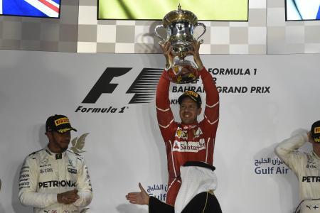 第3戦バーレーンGPで今季2勝目を挙げ、喜ぶフェテル=Ferrari