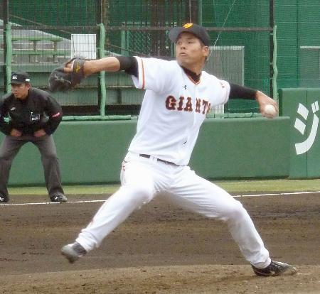 野球賭博での失格処分が明け、独立リーグ、ルートインBCリーグ武蔵との試合に3軍の一員として登板した巨人の高木京介投手=川崎市のジャイアンツ球場