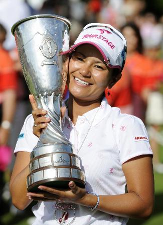 2009年7月、エビアン・マスターズで米ツアー初優勝を果たした宮里藍=フランス・エビアン(共同)