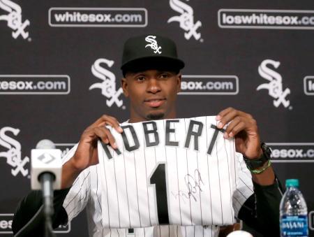 ホワイトソックスとマイナー契約を結んだキューバ出身のルイス・ロベルト外野手(AP=共同)