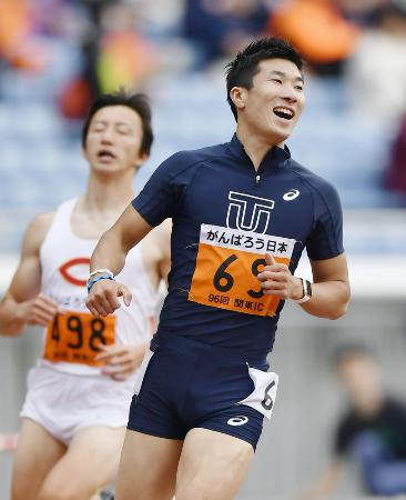 男子100メートル決勝 10秒24でゴールした桐生祥秀=日産スタジアム