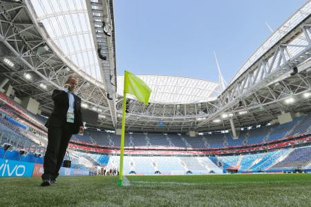 開幕を待つサンクトペテルブルクのスタジアム=16日(共同)