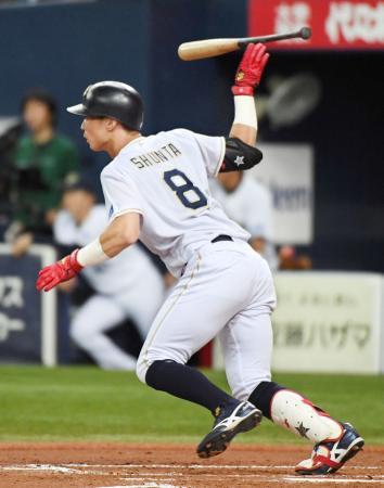 2回オリックス1死二、三塁、駿太が右翼線に2点三塁打を放つ=京セラドーム
