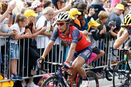 ツール・ド・フランスでポーにゴールした新城幸也(共同)