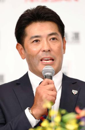 野球日本代表の監督就任が発表され、記者会見する稲葉篤紀氏=31日午後、東京都内のホテル