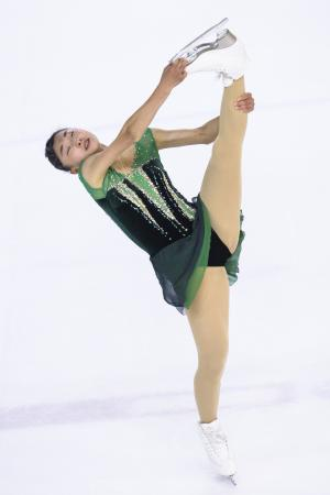 フィギュアスケートのアジア・トロフィー女子で優勝した坂本花織のフリー=5日、香港(ゲッティ=共同)
