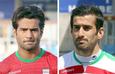 サッカーのイラン代表のショジャエイ選手(左)、ハジサフィ選手(いずれもAP=共同)