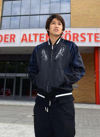 サッカーのドイツ2部リーグ、ウニオン・ベルリンでの初練習を終えた内田篤人=22日、ベルリン(共同)