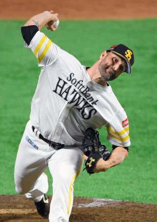 楽天戦で、プロ野球記録に並ぶ46セーブ目を挙げたソフトバンクのサファテ=ヤフオクドーム