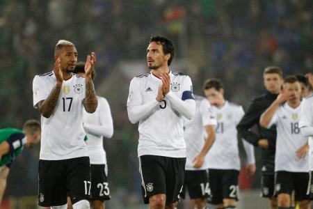 北アイルランドに快勝し、W杯出場を決めたドイツの選手たち=5日、ベルファスト(AP=共同)