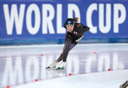 女子5000メートル(Bクラス) 自己ベストで2位の高木菜那=スタバンゲル(共同)