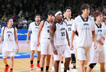 オーストラリアに敗れた日本代表=アデレード(共同)