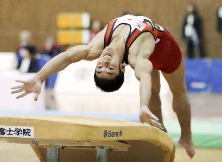 男子跳馬で3連覇を果たした白井健三=豊田市総合体育館