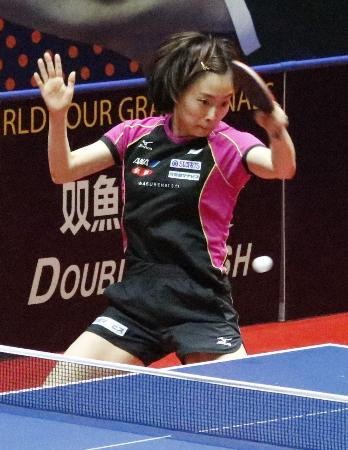 卓球のワールドツアー・グランドファイナルに向け、調整する石川佳純=アスタナ(共同)