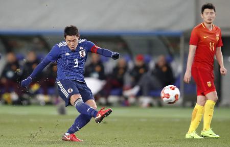 日本―中国 後半、2点目のゴールを決める昌子=味スタ