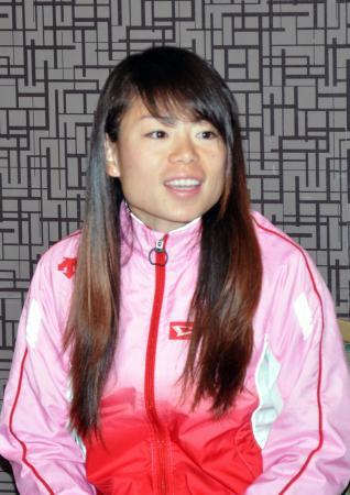 大阪国際女子マラソンの優勝から一夜明け、心境を語る松田瑞生=29日、大阪市