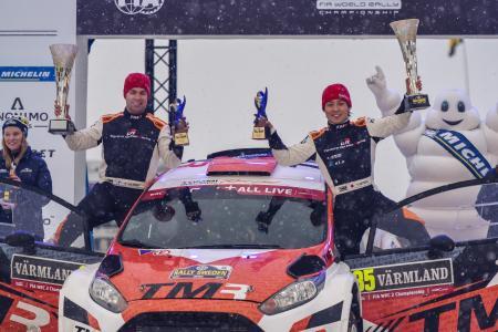 ラリー・スウェーデンのWRC2クラスで初優勝を果たし、喜ぶ勝田貴元=TOYOTA GAZOO Racing