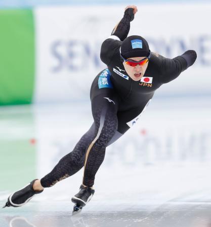 男子1500メートル 滑走する中村奨太=アムステルダム(共同)