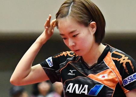 女子準決勝で中国の陳夢に敗れた石川佳純=横浜文化体育館