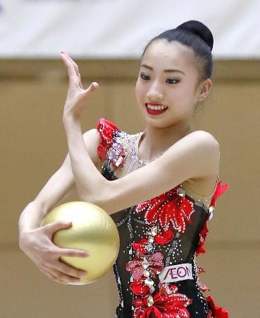 大岩千未来のボールの演技=高崎アリーナ