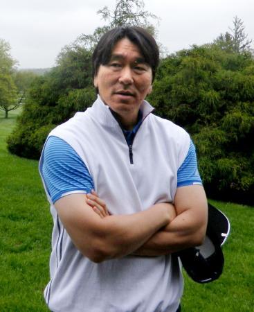 チャリティーゴルフに参加し、エンゼルス・大谷らについて話す松井秀喜氏=14日、ニューヨーク近郊(共同)