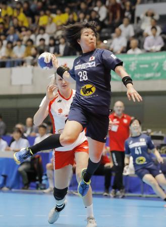 日本―ポーランド 前半、シュートを決める永田し=高崎アリーナ
