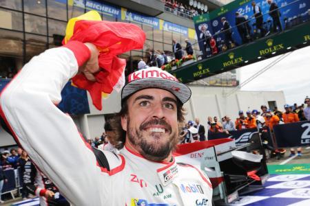 今年6月に行われたルマン24時間で優勝し喜ぶアロンソ=TOYOTA GAZOO Racing