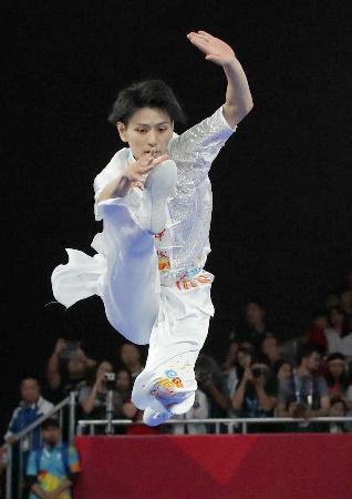 男子長拳 坂本蓮の演技=ジャカルタ(共同)